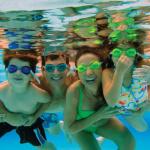 Familyswimming3